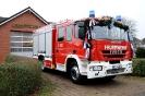 Übergabe des neuen Feuerwehrautos (Fotos: Ully Knibbe)